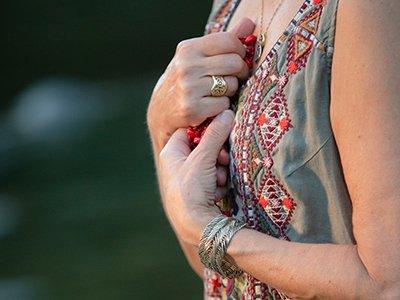 Red prayer beads torso anon cr